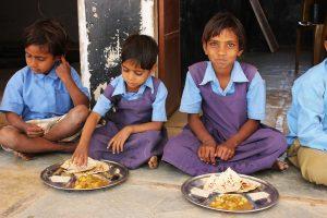 akshaya_patra_foundation_worlds_largest_NGO_runs_midday_meal_scheme